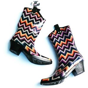 Beautiful Western Style All Weather Boots